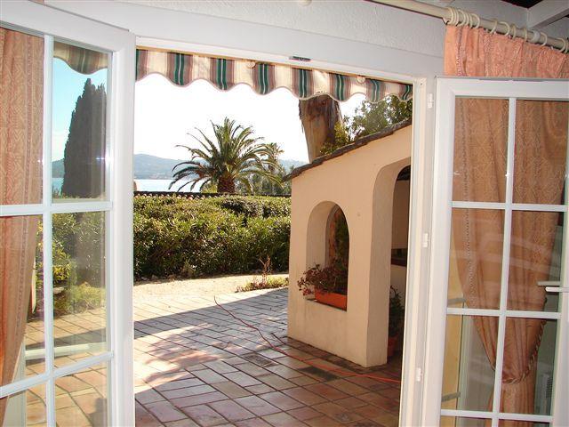 Vista desde do alojamento Locação Casa 93909 Saint Tropez