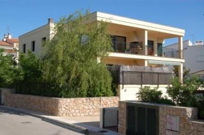 Vista exterior do alojamento Loca��o Apartamentos 75093 Llan�a