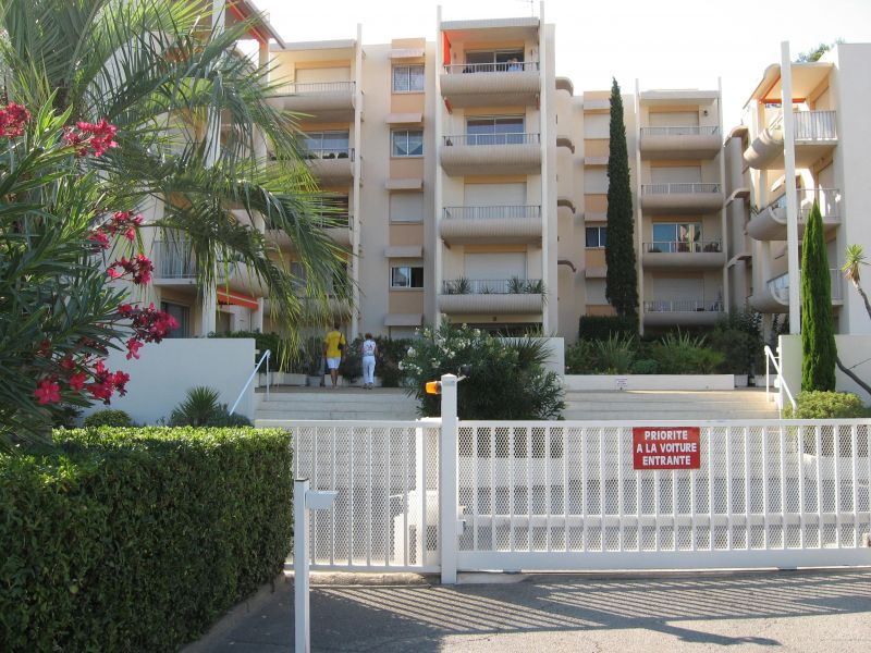 Parque de estacionamento Locação Apartamentos 102878 Sainte Maxime