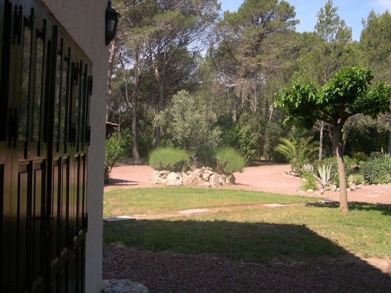 Vista exterior do alojamento Locação Vivenda 103900 Saint Raphael
