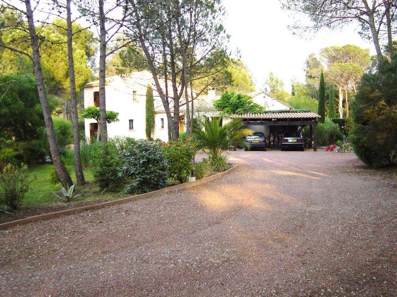 Parque de estacionamento Locação Vivenda 103900 Saint Raphael