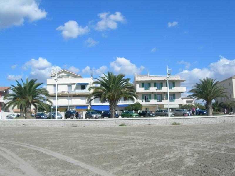 Vista exterior do alojamento Locação Apartamentos 108260 Le Grau du Roi