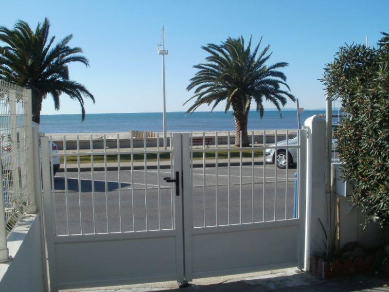 Vista do terraço Locação Apartamentos 108260 Le Grau du Roi