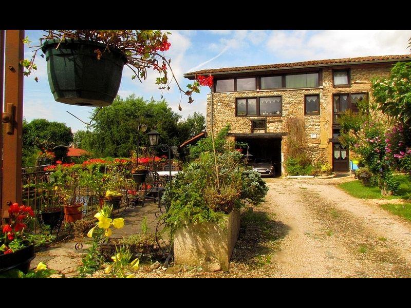 Parque de estacionamento Locação Casa de turismo rural/Casa de campo 16078 Grenoble