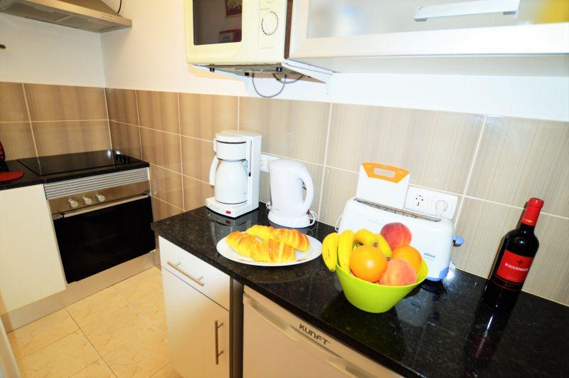 Cozinha de verão Locação Apartamentos 17665 Carvoeiro