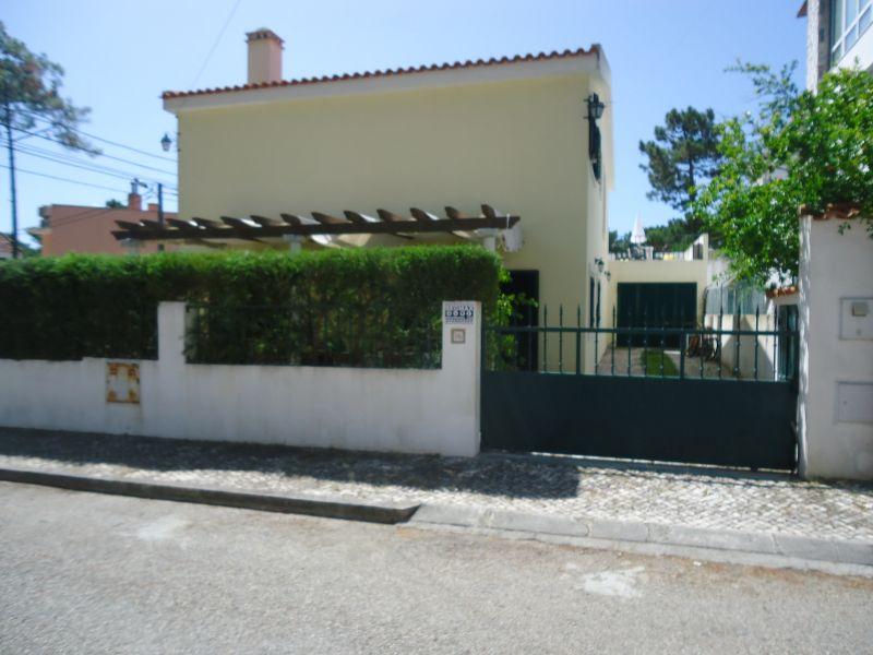 Parque de estacionamento Locação Vivenda 59981 Charneca de Caparica