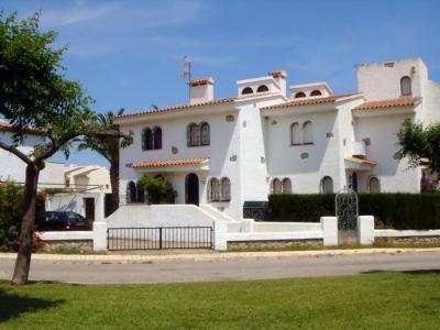 Vista exterior do alojamento Loca��o Casa 62674 Miami Playa