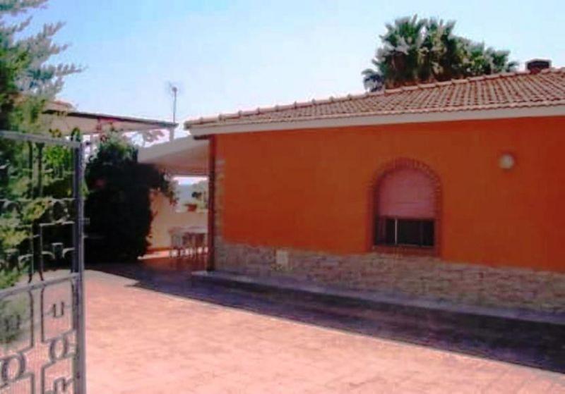 Parque de estacionamento Locação Apartamentos 63092 Avola