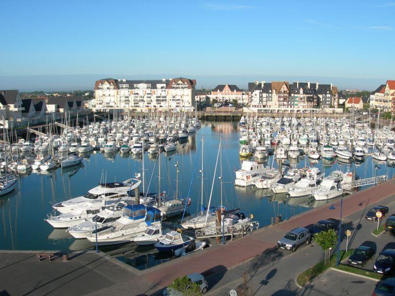 Vista dos arredores Locação Apartamentos 63247 Cabourg