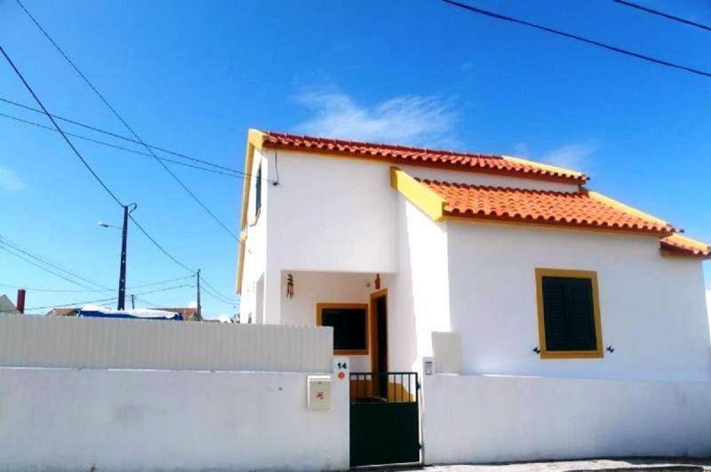 Vista exterior do alojamento Locação Vivenda 65732 Lisboa