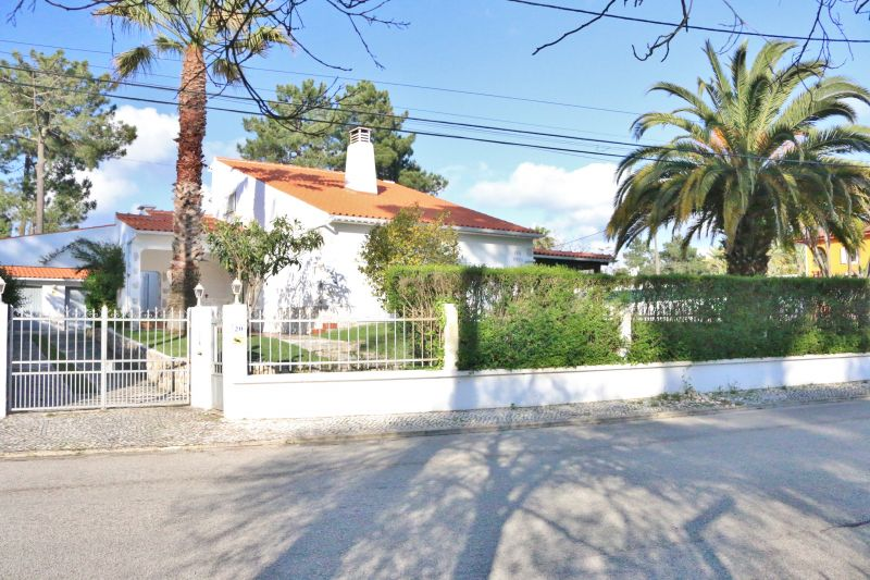 Vista exterior do alojamento Locação Vivenda 78951 Lisboa