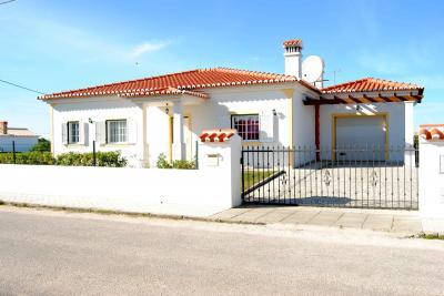 Vista exterior do alojamento Loca��o Vivenda 67750 Aljezur
