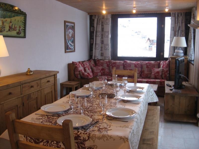 Sala de jantar Locação Apartamentos 77055 La Plagne