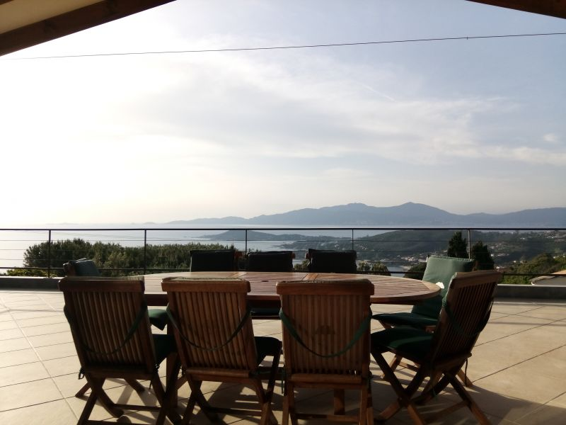 Vista do terraço Locação Vivenda 114573 Porticcio