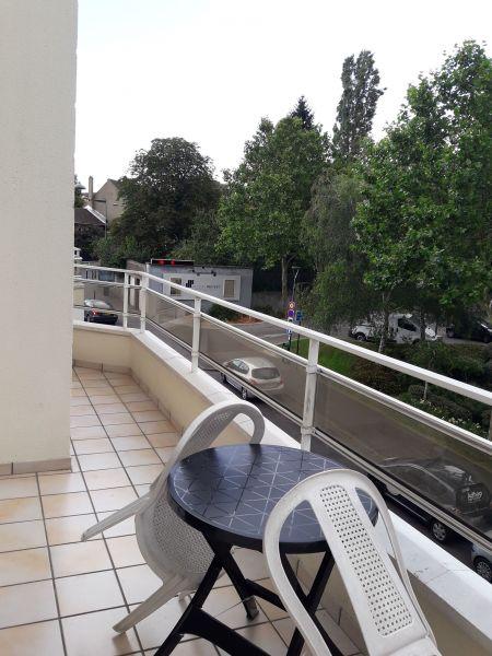 Vista do terraço Locação Apartamentos 93070 PARIS