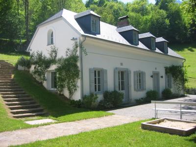 Vista exterior do alojamento Loca��o Casa 71101 Luz Saint Sauveur