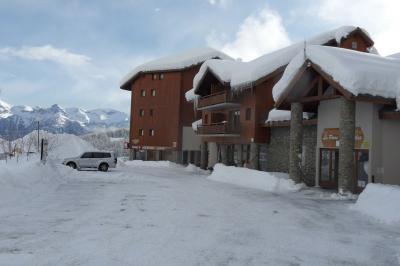 Parque de estacionamento Loca��o Apartamentos 91192 Puy Saint Vincent