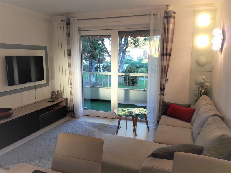 Sala de estar Locação Apartamentos 114308 Juan les Pins