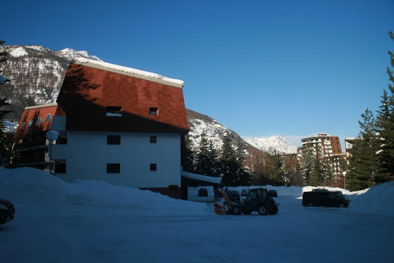 Parque de estacionamento Locação Estúdio 74661 Serre Chevalier