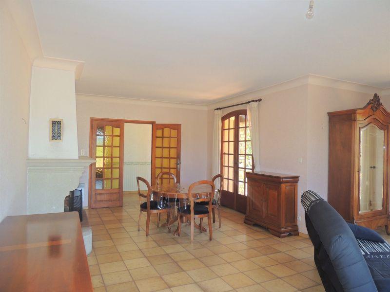 Sala de jantar Locação Vivenda 113135 Ceret