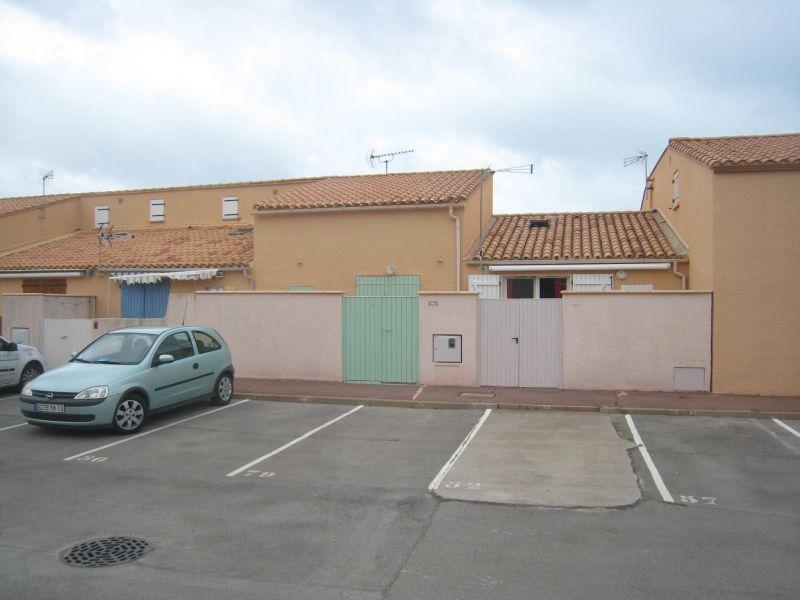 Parque de estacionamento Locação Apartamentos 92705 Saint Pierre la Mer